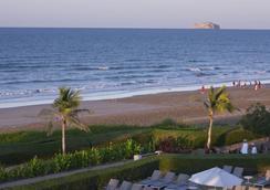 Safari Village Executive Suites - Muskat - Pantai
