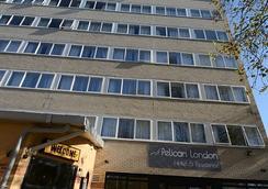 Pelican London Hotel And Residence - London - Bangunan