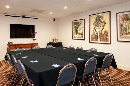 Mediterranean Inn - Seattle - Ruang rapat