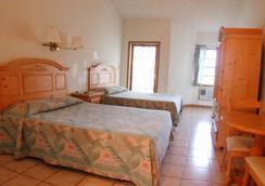 Orange Hill Beach Inn - Nassau - Kamar Tidur