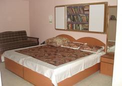 Sweet Holiday Home - New Delhi - Kamar Tidur