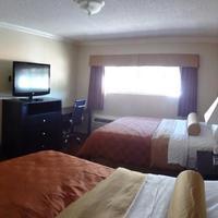 Staples Center Inn Guestroom