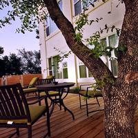 Casulo Hotel Outdoor Dining