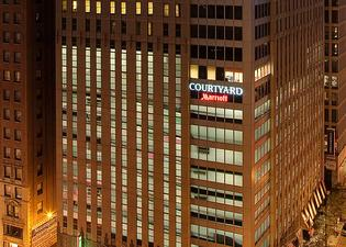 Courtyard by Marriott Chicago Downtown Magnificent Mile