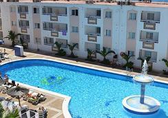 Apartamentos Panoramic - Ibiza - Kolam