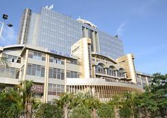 Panari Hotel - Nairobi - Pemandangan luar