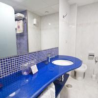 Hotel Servigroup Diplomatic Bathroom