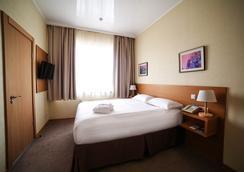 City Hotel Bishkek - Bishkek - Kamar Tidur