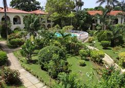 Charela Inn - Negril - Pemandangan luar