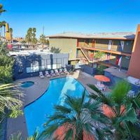 Las Vegas Hostel Outdoor Pool