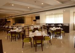 Regenta Central - A Hotel By Royal Orchid Group of Hotels - Jaipur - Restoran