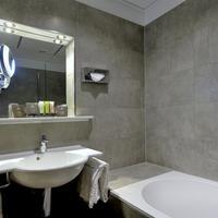 Hotel Apollofirst Amsterdam Bathroom