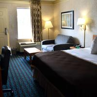 Deluxe Inn - Fayetteville Guest room