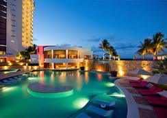 Krystal Grand Punta Cancun - Cancun - Kolam