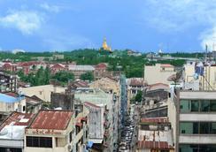 Hotel Grand United 21st Downtown - Yangon - Pemandangan luar