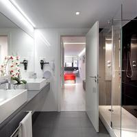 Hotel Eurostars Central Bathroom