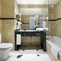 Eurostars Conquistador Bathroom