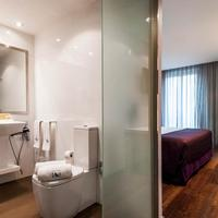 Eurostars Ramblas Bathroom
