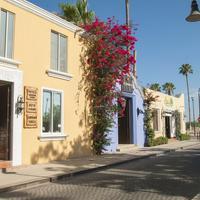 El Encanto Inn & Suites Hotel Entrance