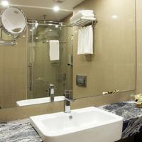 Central Hotel Bathroom