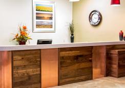 Grand Williston Hotel & Conference Center - Williston - Lobi