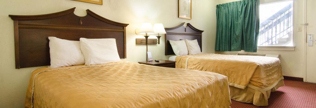 Key West Inn - Newport News - Bedroom