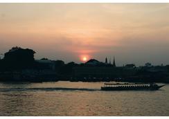 Ibrik Resort by the river - Bangkok - Pemandangan luar