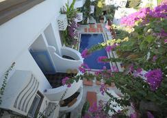 La Brezza Suite & Hotel - Bodrum - Kolam