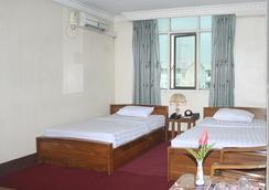 Nice Day Hotel - Yangon - Kamar Tidur