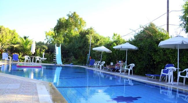 Violetta Hotel - Heraklion - Pool