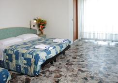 Hotel Letizia - Rimini - Kamar Tidur