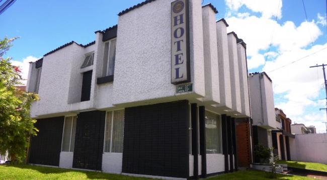 Casa Hotel La Estancia - Bogotá - Building