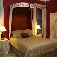 Napoleon's Retreat Bed & Breakfast Guestroom
