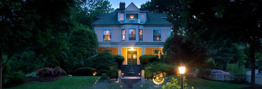 The Lion and the Rose Bed and Breakfast - Asheville - Building