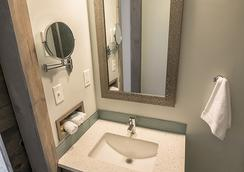 816 Hotel Kcexperience - Kansas City - Kamar Mandi