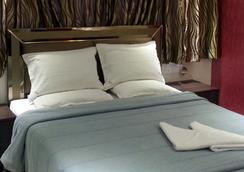 Hotel Kamran Residency - Mumbai - Kamar Tidur
