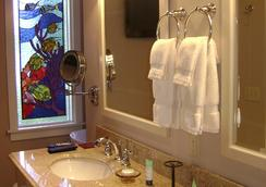 The Hibiscus House Bed and Breakfast - Fort Myers - Kamar Mandi