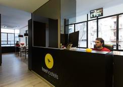 Free Hostels Barcelona - Barcelona - Lobi