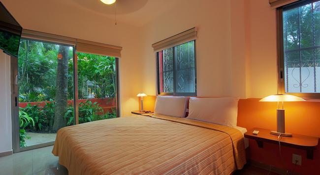 Riviera Maya Suites - Playa del Carmen - Bedroom