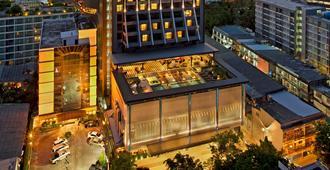 DoubleTree by Hilton Sukhumvit Bangkok - Bangkok - Bangunan