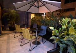 Mariel Hotel & Apartments - Lima - Pemandangan luar