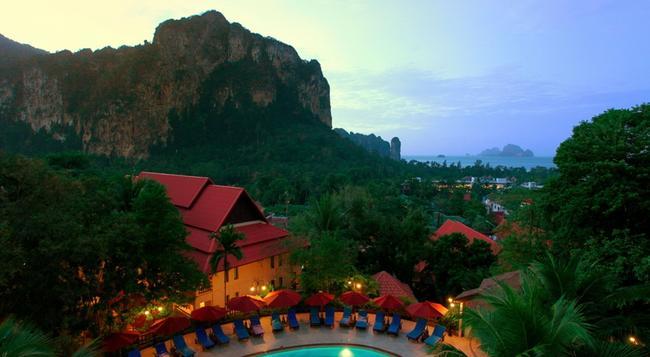 Vogue Resort & Spa Ao Nang - Krabi - Pool