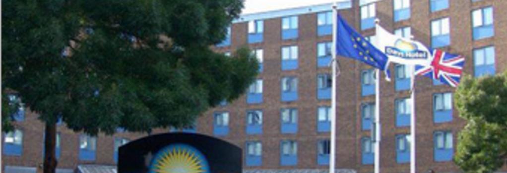Days Hotel London- Waterloo - London - Building