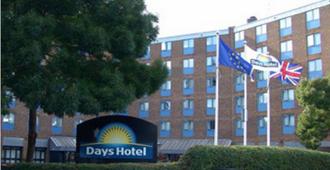 Days Hotel London- Waterloo - London - Bangunan
