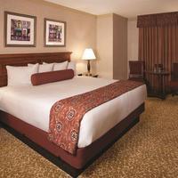Harrah's Las Vegas Hotel & Casino Guestroom