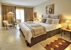Marina Hotel Corinthia Beach Resort - St. Julian's - Kamar Tidur