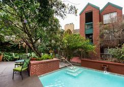 Habitat Suites - Austin - Kolam