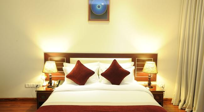 Hotel Ghangri - Kathmandu - Bedroom