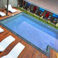 Kayun Hostel Outdoor Pool
