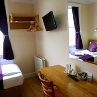 Cardiff Guestroom